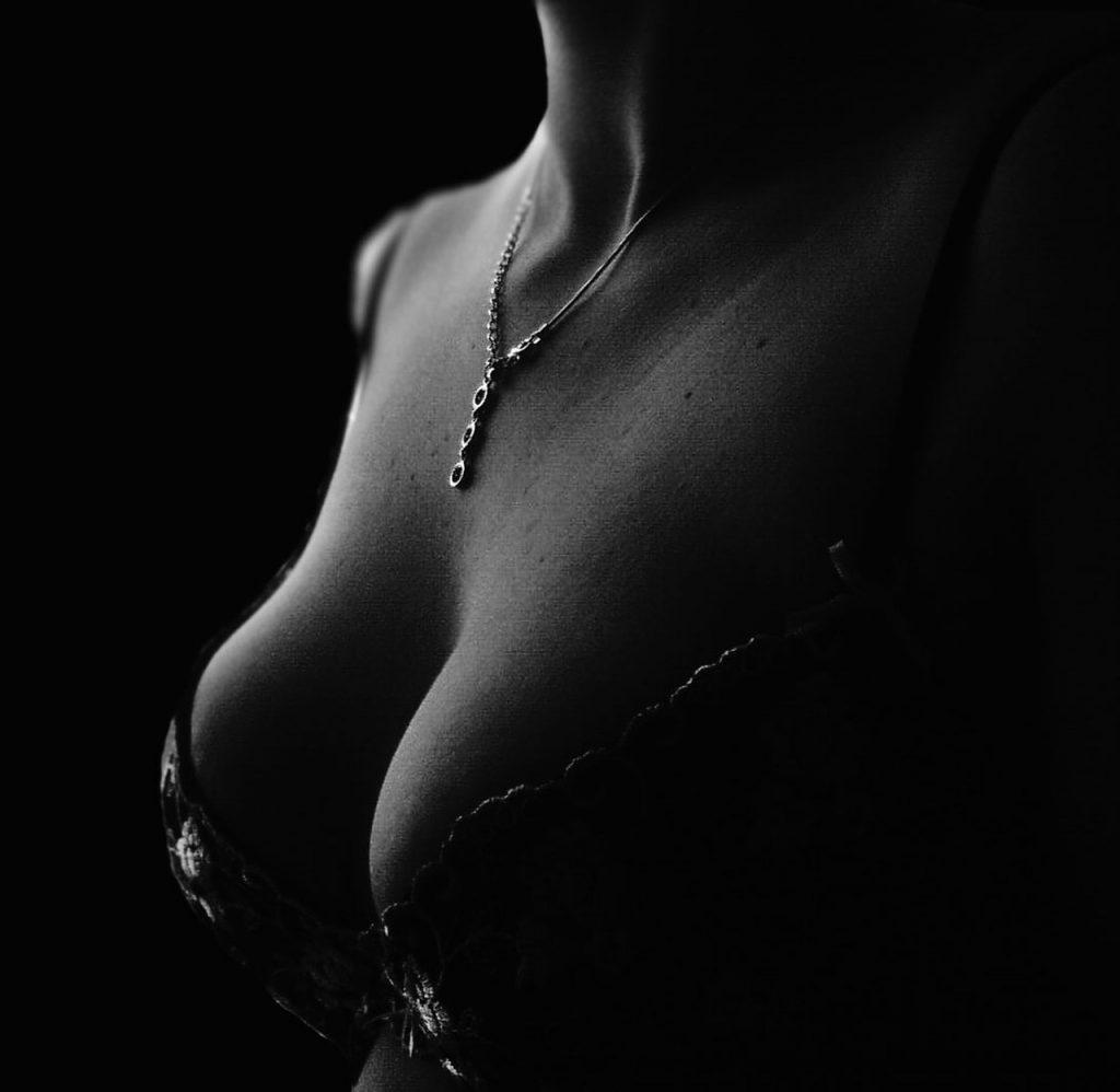 Белая грудь картинки